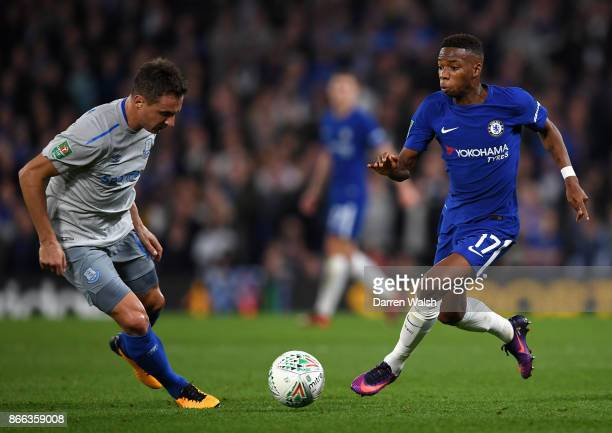 Phil Jagielka of Everton and Charly Musonda of Chelsea in action during the Carabao Cup Fourth Round match between Chelsea and Everton at Stamford...