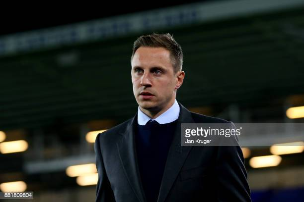 Phil Jagielka of Everton arrives at the stadium prior to the Premier League match between Everton and West Ham United at Goodison Park on November 29...