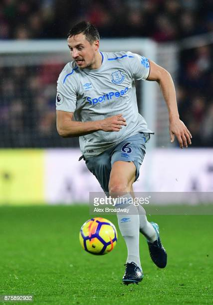 Phil Jagielka of Everton in action during the Premier League match between Crystal Palace and Everton at Selhurst Park on November 18 2017 in London...