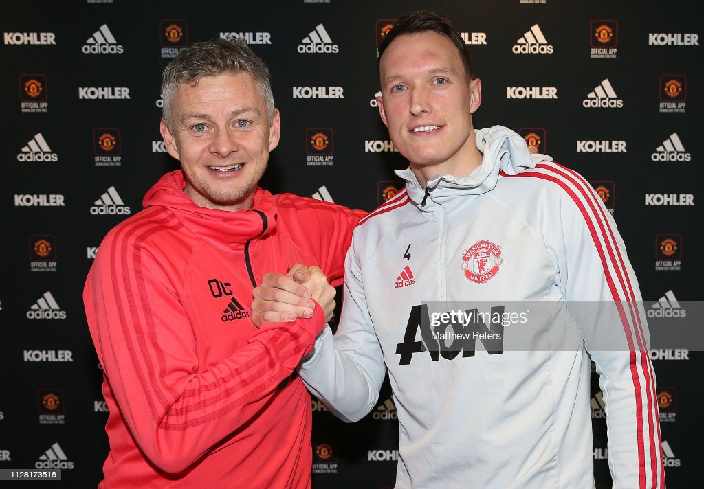GBR: Phil Jones Signs a Contract Extension at Manchester United