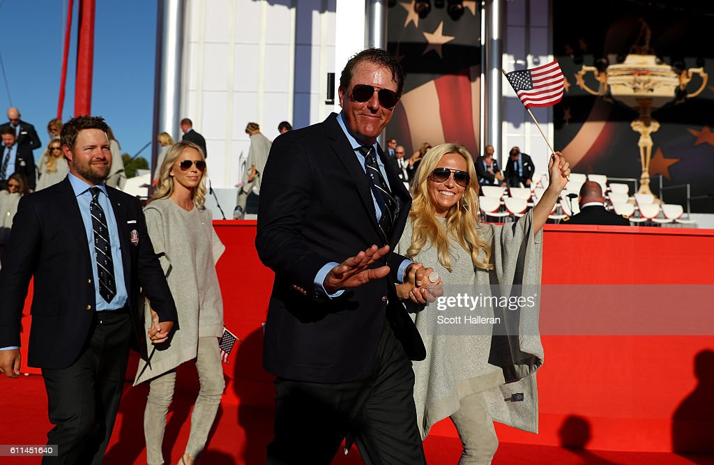 Fotos de amy mickelson fotografias de amy mickelson getty images phil mickelson of the united states and amy mickelson attend the 2016 ryder cup opening ceremony junglespirit Images