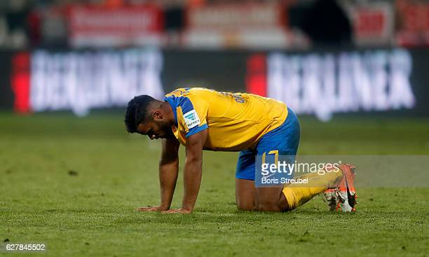 Phil OfosuAyeh of Eintracht Brauschweig reacts after losing the Second Bundesliga match between 1 FC Union Berlin and Eintracht Braunschweig at...