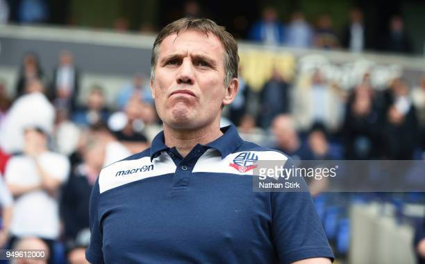 Phil Parkinson manager of Bolton Wanderers looks on during the Sky Bet Championship match between Bolton Wanderers and Wolverhampton Wanderers at...