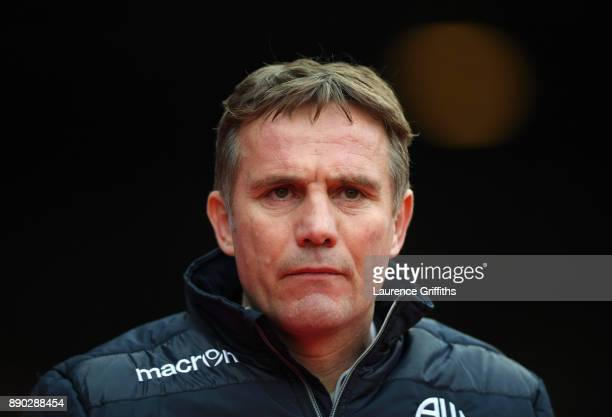 Phil Parkinson of Bolton Wanderers looks on during the Sky Bet Championship match between Nottingham Forest and Bolton Wanderers at City Ground on...