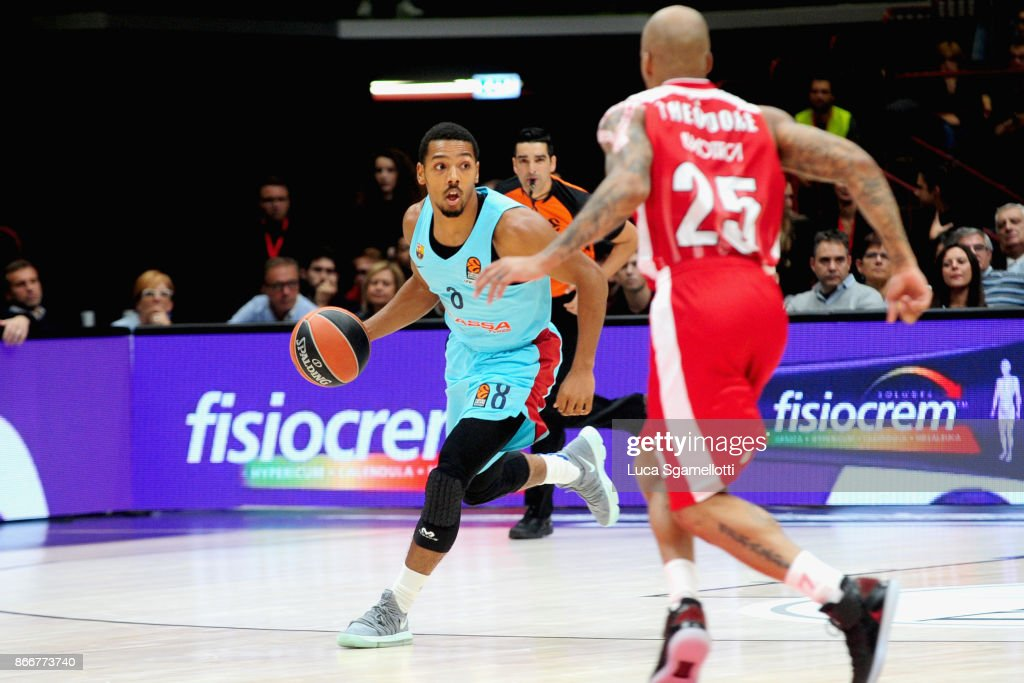 AX Armani Exchange Olimpia Milan v FC Barcelona Lassa - Turkish Airlines  EuroLeague   News Photo 610a20b7a