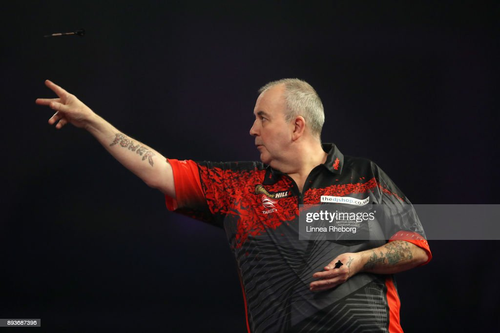 2018 William Hill PDC World Darts Championships - Day Two : News Photo