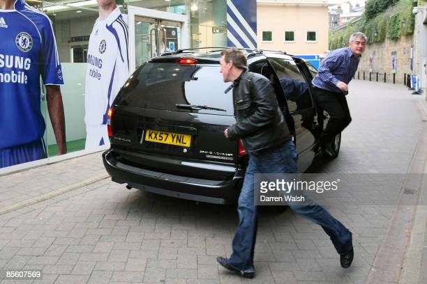 Phil Tufnell and Nick Hornby dash into the Chelsea megastore