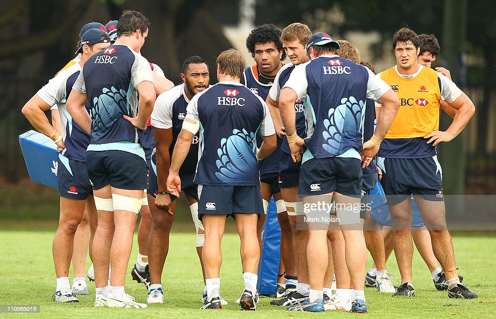Phil Waugh talks to his forwards during a Waratahs Super Rugby training session at Moore Park on March 22, 2011 in Sydney, Australia.