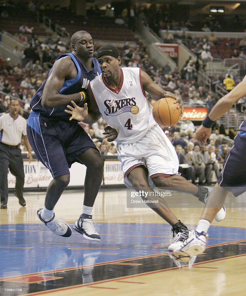 Dallas Mavericks vs Philadelphia 76ers - November 9, 2005