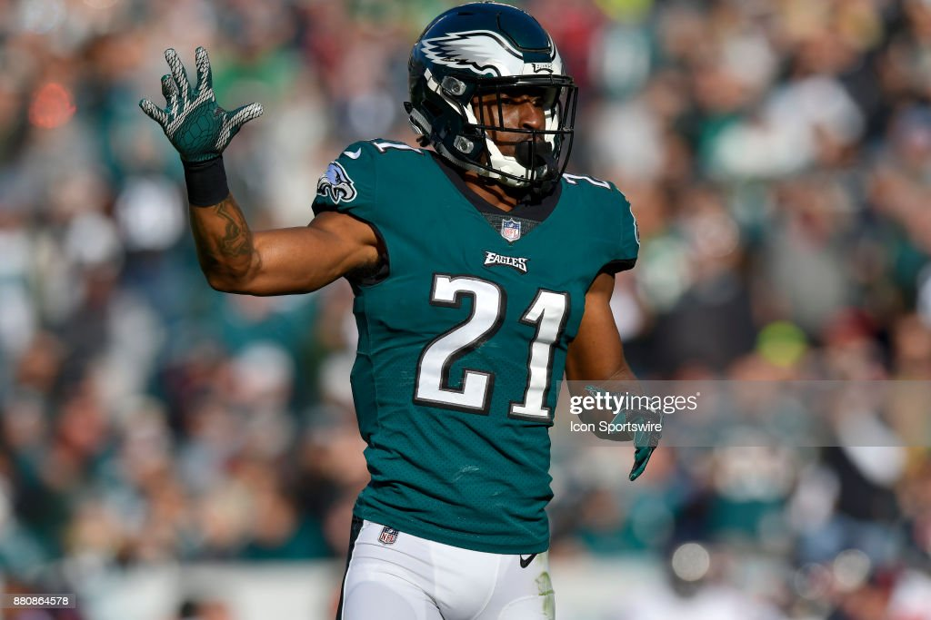 Philadelphia Eagles cornerback Patrick Robinson (21) signals during the NFL game between the Chicago Bears and the Philadelphia Eagles on November 26, 2017 at Lincoln Financial Field in Philadelphia PA.