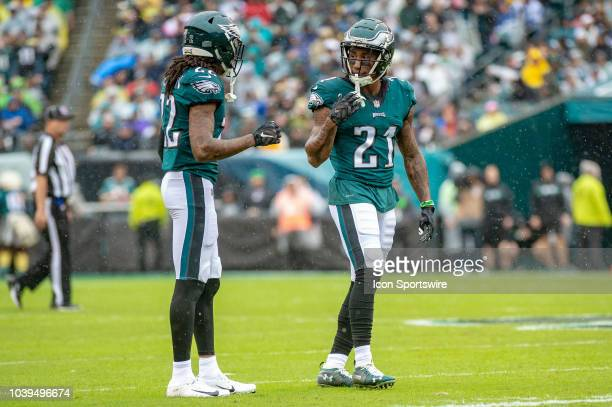 594472b6a46686 Philadelphia Eagles cornerback Ronald Darby talks with cornerback Sidney  Jones during the National Football League game