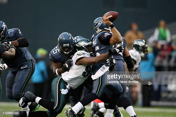 Philadelphia Eagles Darren Howard against the Seattle Seahawks Seneca Wallace and Chris Spencer at Qwest Field Nov 2 2008 in Seattle WA Eagles won 267