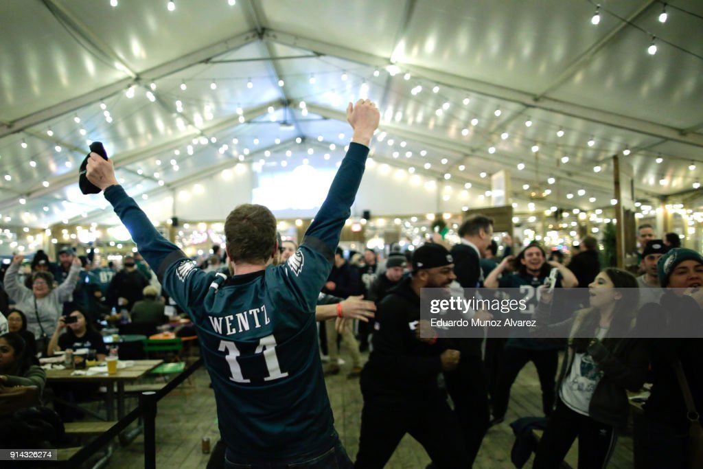 Philadelphia Eagles' Fans Gather To Watch Their Team In Super Bowl LII Against The New England Patriots : News Photo
