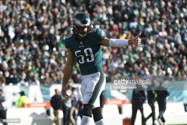 Philadelphia Eagles inside linebacker Joe Walker gives a thumbs up during a NFL football game between the Chicago Bears and the Philadelphia Eagles...