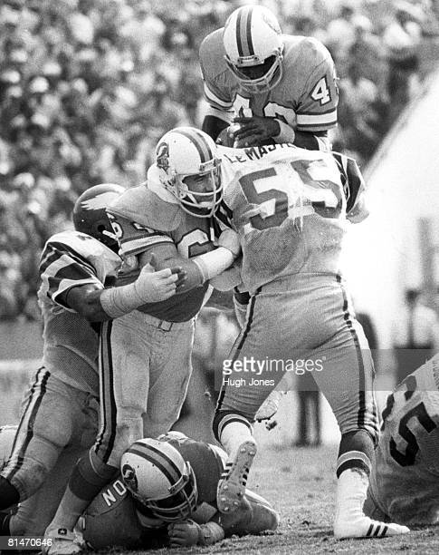 Philadelphia Eagles linebacker Frank LeMaster stacks up Buccaneers running back Jerry Eckwood cold during the Eagles 2417 loss to the Tampa Bay...