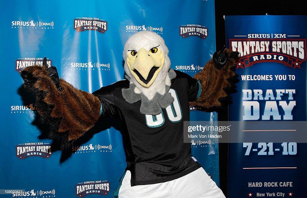 SIRIUS XM Radio Celebrity Fantasy Football Draft-Times Square : News Photo