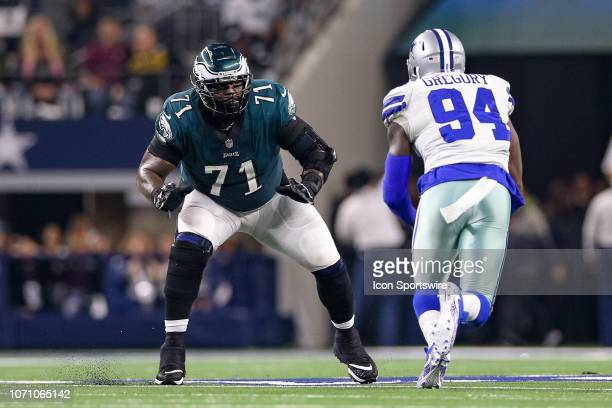 Philadelphia Eagles Offensive Tackle Jason Peters sets to block Dallas Cowboys Defensive End Randy Gregory during the game between the Philadelphia...