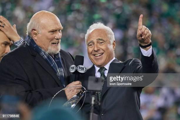 Philadelphia Eagles owner Jeffrey Lurie celebrates by with Fox Sports analyst Terry Bradshaw after the NFC Championship Game between the Minnesota...