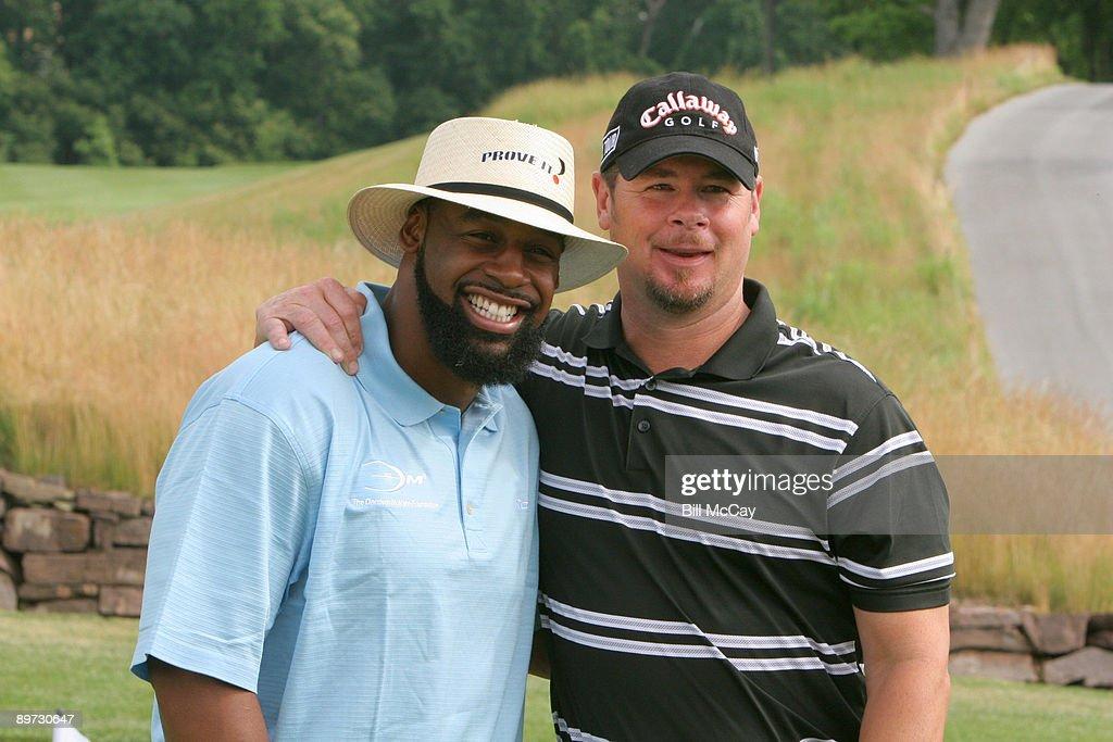 The Donovan McNabb Foundation Golf Classic - June 15, 2007 : News Photo