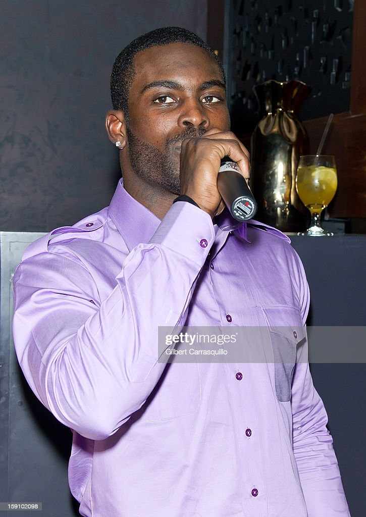 Philadelphia Eagles QB Michael Vick Attends An Evening With 7 At On The