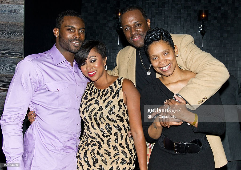 Philadelphia Eagles QB Michael Vick, wife Kijafa Vick, Charlie Mack Alston and wife Tasha Mack Alston attend An Evening With 7, at 7, On the 7th at on January 7, 2013 in Philadelphia City.