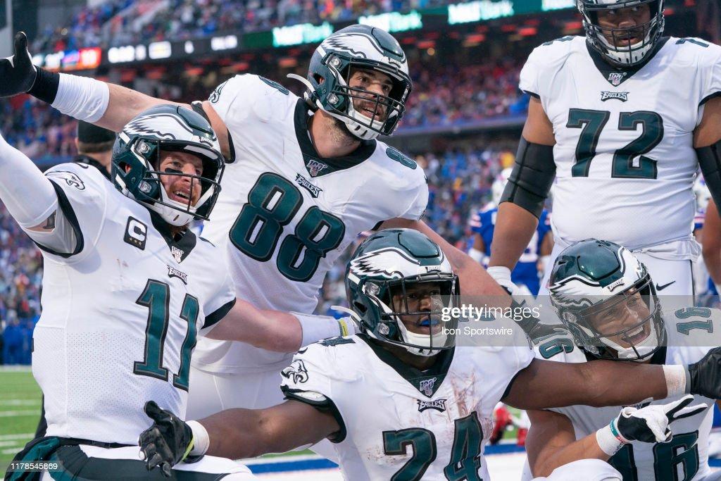 NFL: OCT 27 Eagles at Bills : News Photo