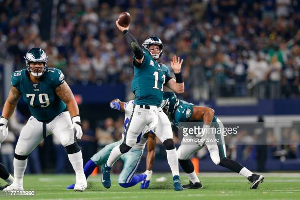 Philadelphia Eagles Quarterback Carson Wentz drops back and throws a touchdown pass during the game between the Philadelphia Eagles and Dallas...