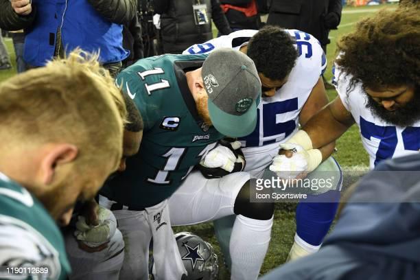 Philadelphia Eagles Quarterback Carson Wentz takes a minute to pray during the game between the Dallas Cowboys and the Philadelphia Eagle on December...