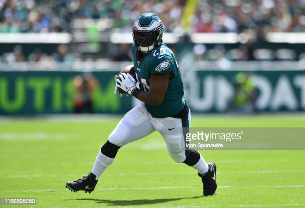 Philadelphia Eagles Running Back Jordan Howard carries the ball in the first half during the game between the Washington Redskins and Philadelphia...