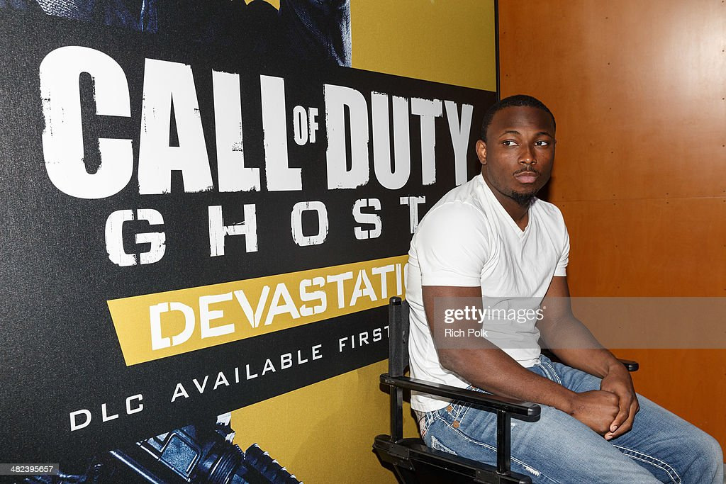 Philadelphia Eagles Running  Back LaSean McCoy Goes Head-To-Head Against All-Pro Receiver A.J. Green Of The Cincinatti Bengals On Xbox One In The Call Of Duty: Ghosts Celebrity Grudge Match To Celebrate The Launch Of Devastation DLC Map Pack