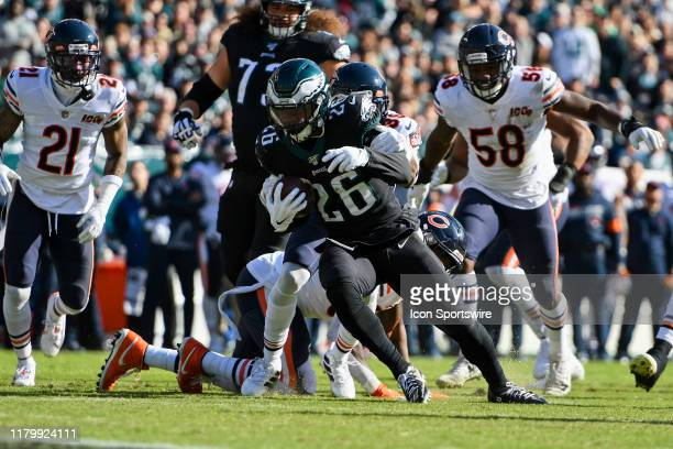 Philadelphia Eagles Running Back Miles Sanders breaks tackles during the game between the Chicago Bears and the Philadelphia Eagles on November 3...