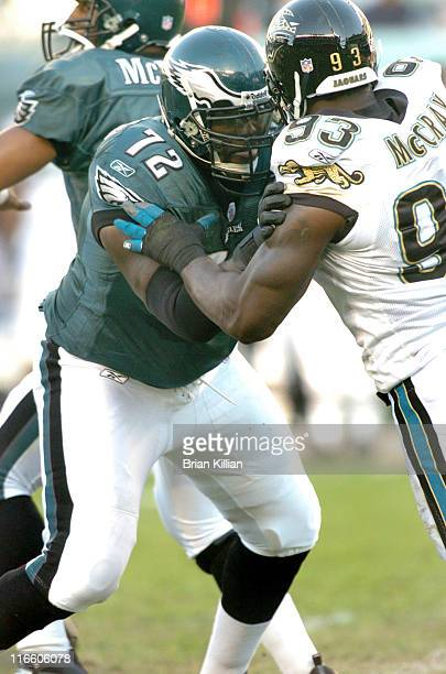 Philadelphia Eagles tackle William Thomas battles Jacksonville Jaguars defensive end Bobby McCray on Sunday October 29 2006 at Lincoln Financial...