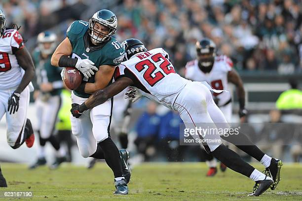 Philadelphia Eagles Tight End Brent Celek runs with the ball during a National Football League game between the Atlanta Falcons and the Philadelphia...