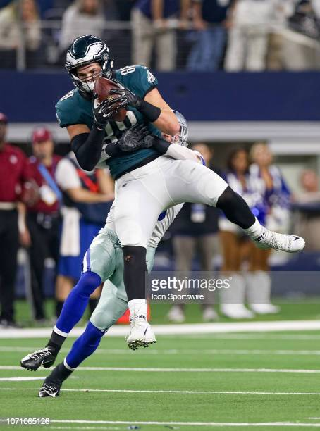 Philadelphia Eagles Tight End Dallas Goedert makes a reception with Dallas Cowboys Safety Jeff Heath defending during the game between the...