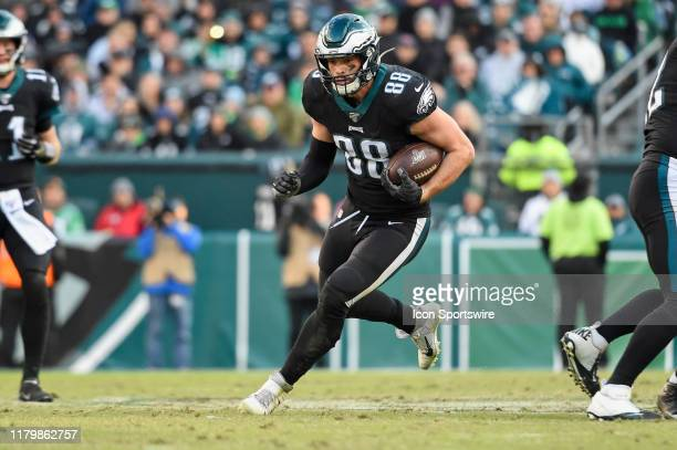 Philadelphia Eagles Tight End Dallas Goedert runs after a reception during the game between the Chicago Bears and the Philadelphia Eagles on November...