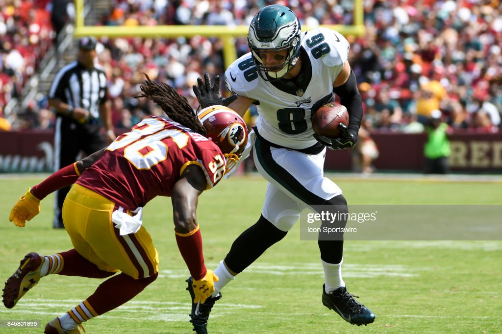 Philadelphia Eagles tight end Zach Ertz (86) catches a pass against Washington Redskins free safety D.J. Swearinger (36) on September 10, 2017, at FedEx Field in Landover, MD.