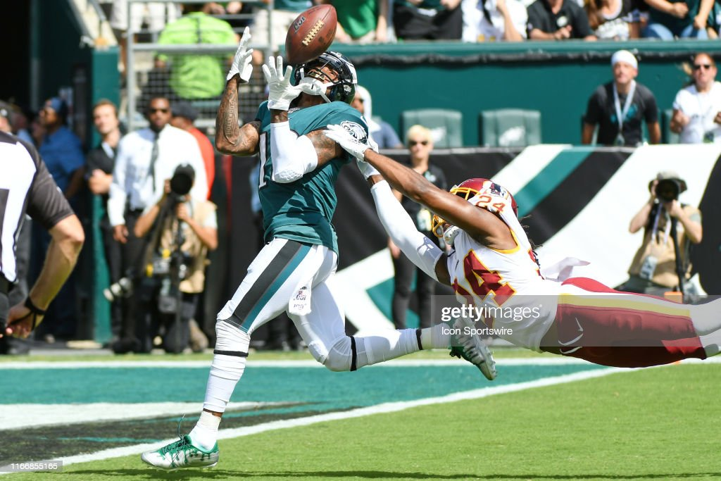 NFL: SEP 08 Redskins at Eagles : News Photo