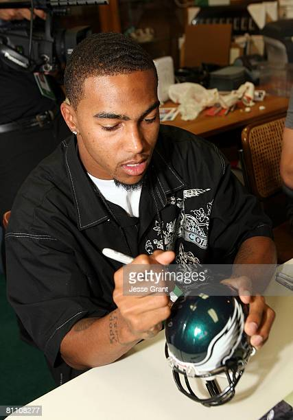 Philadelphia Eagles wide receiver DeSean Jackson signs autographs as part of the 2008 Reebok NFL PLAYERS Rookie Premiere at the Beverly Hills...