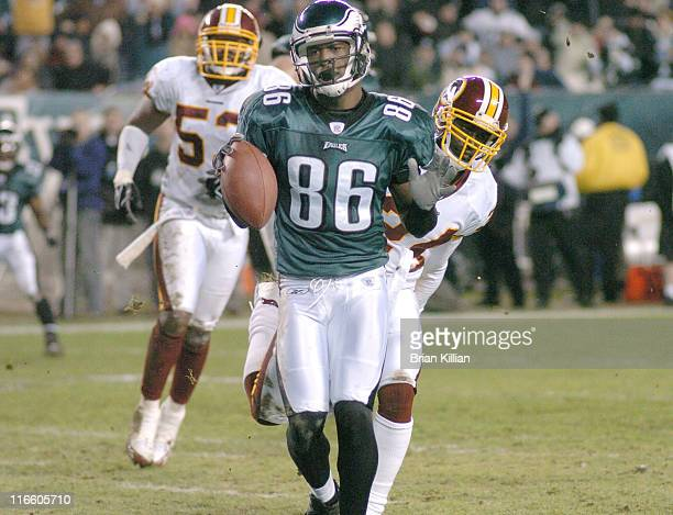 Philadelphia Eagles wide receiver Reggie Brown struts into the end zone against the Washington Redskins on Sunday, January 1, 2006 at Lincoln...
