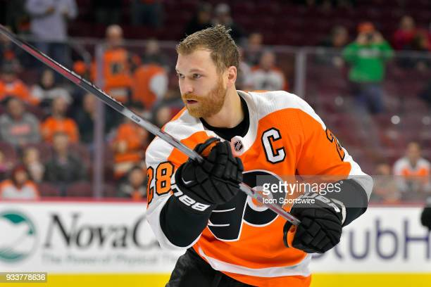 Philadelphia Flyers center Claude Giroux warms up before the NHL game between the Columbus Blue Jackets and the Philadelphia Flyers on March 15 2018...