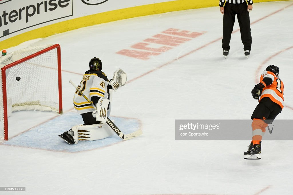 NHL: JAN 13 Bruins at Flyers : News Photo
