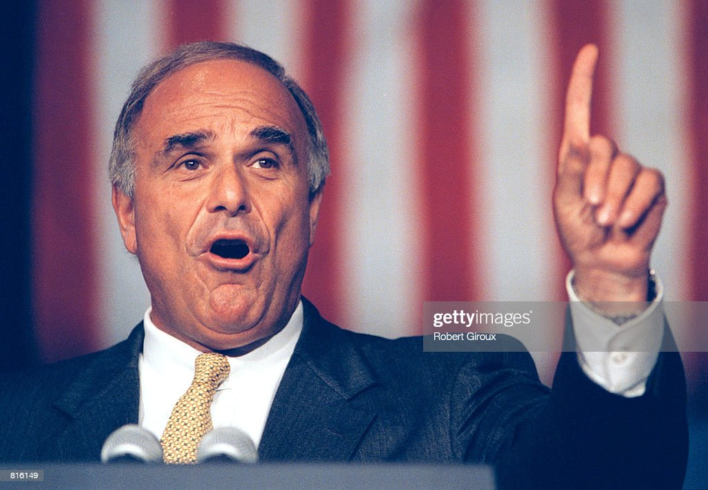 Philadelphia Mayor Edward Rendell at a Democratic National Committee fall meeting : News Photo