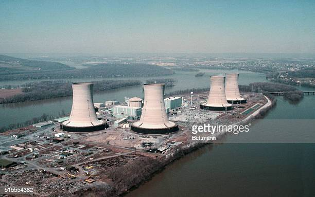 Philadelphia Pennsylvania The four cooling towers at the Three Mile Island nuclear power plant are not in operation after a leak in the cooling...