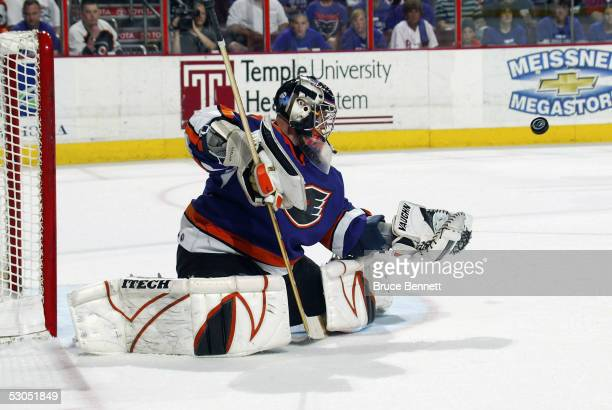 Philadelphia Phantoms goalie Antero Niittymaki makes a save during the American Hockey League Calder Cup final game at the Wachovia Center on June...