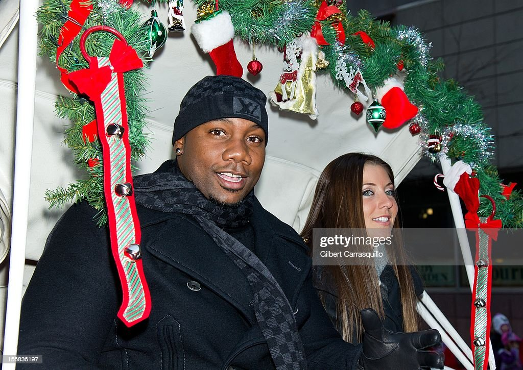 Philadelphia Phillies Ryan Howard and his fiance Krystal Campbell attend the 93rd annual Dunkin' Donuts Thanksgiving Day Parade on November 22, 2012 in Philadelphia, Pennsylvania.