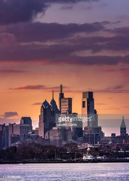 philadelphia - philadelphia skyline stock pictures, royalty-free photos & images