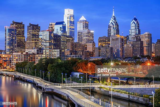philadelphia, skyline, pennsylvania, america - philadelphia pennsylvania stock pictures, royalty-free photos & images