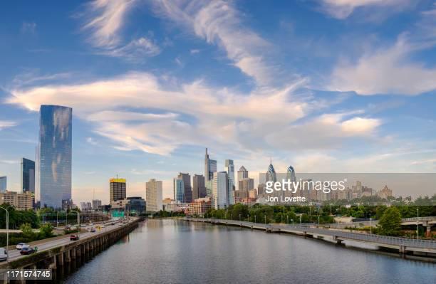 philadelphia skyline with highway - philadelphia skyline stock pictures, royalty-free photos & images