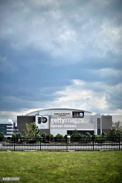philadelphia to host dnc at wells fargo center - wells fargo center philadelphia stock pictures, royalty-free photos & images