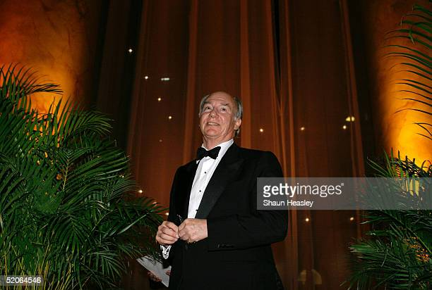 Philanthropist Aga Khan walks off stage after receiving the 2005 Vincent Scully Prize at the National Building Museum January 25 2005 in Washington...